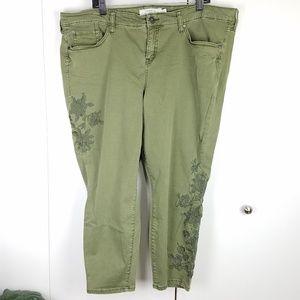 Torrid Embroidered Floral Ankle Skinny Jeans sz 22